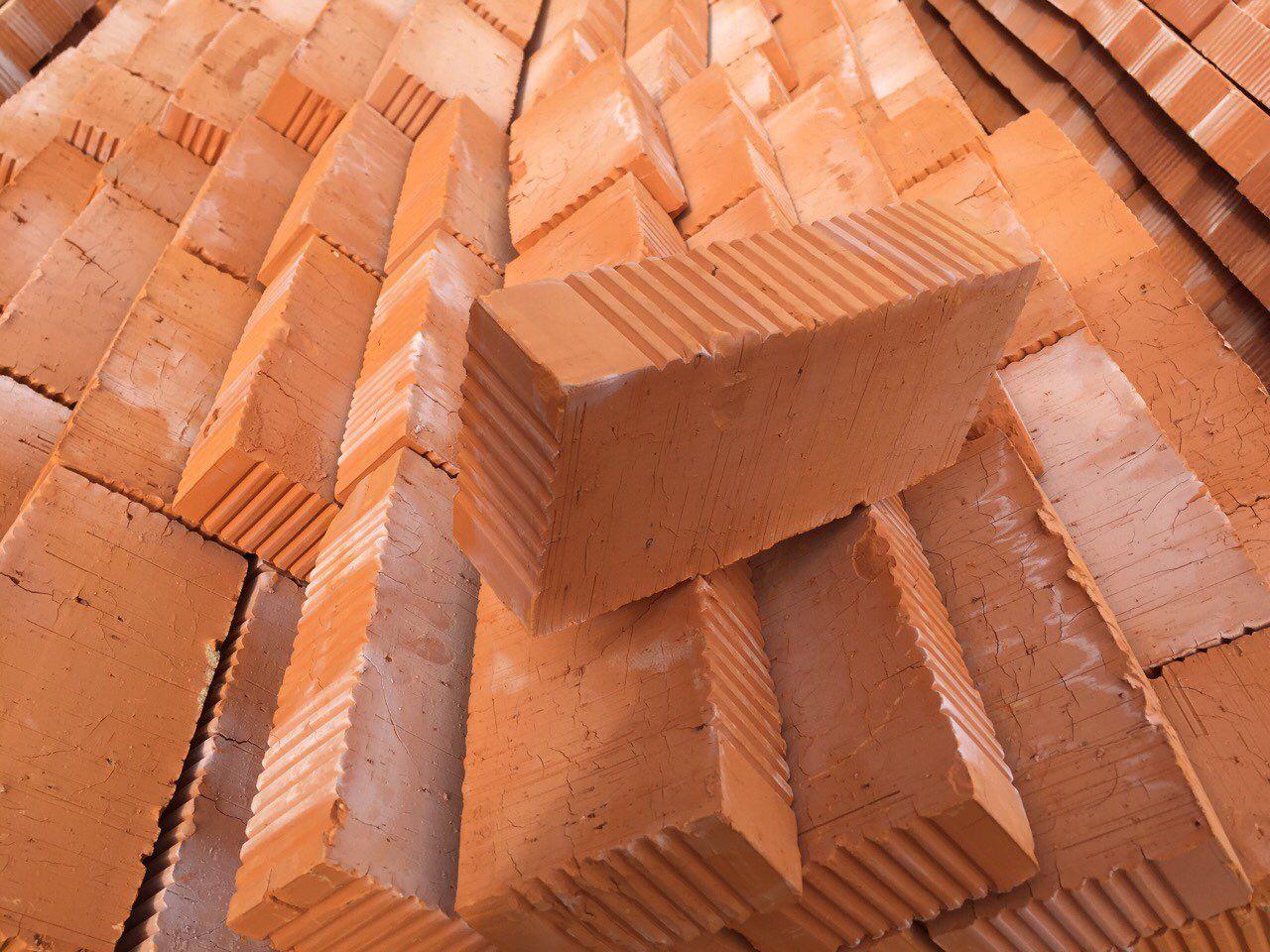 От чего зависят расценки на строительный кирпич